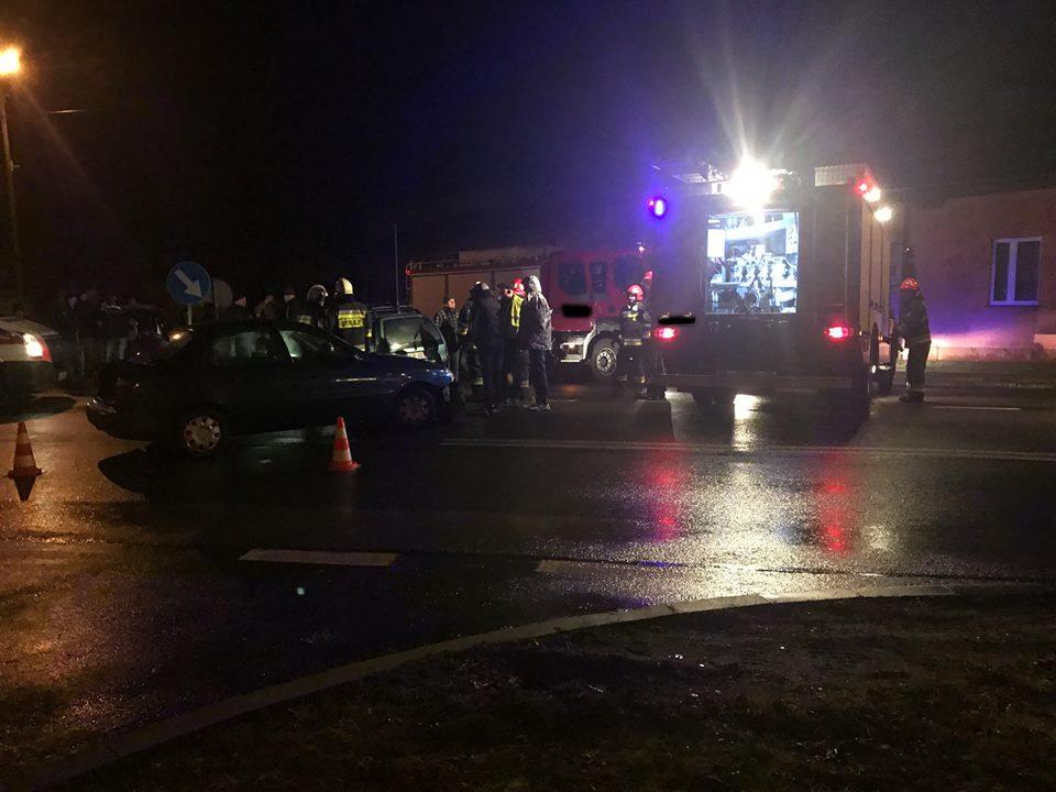 Wypadek samochodowy na ulicy Żeromskiego w Szczekocinach.
