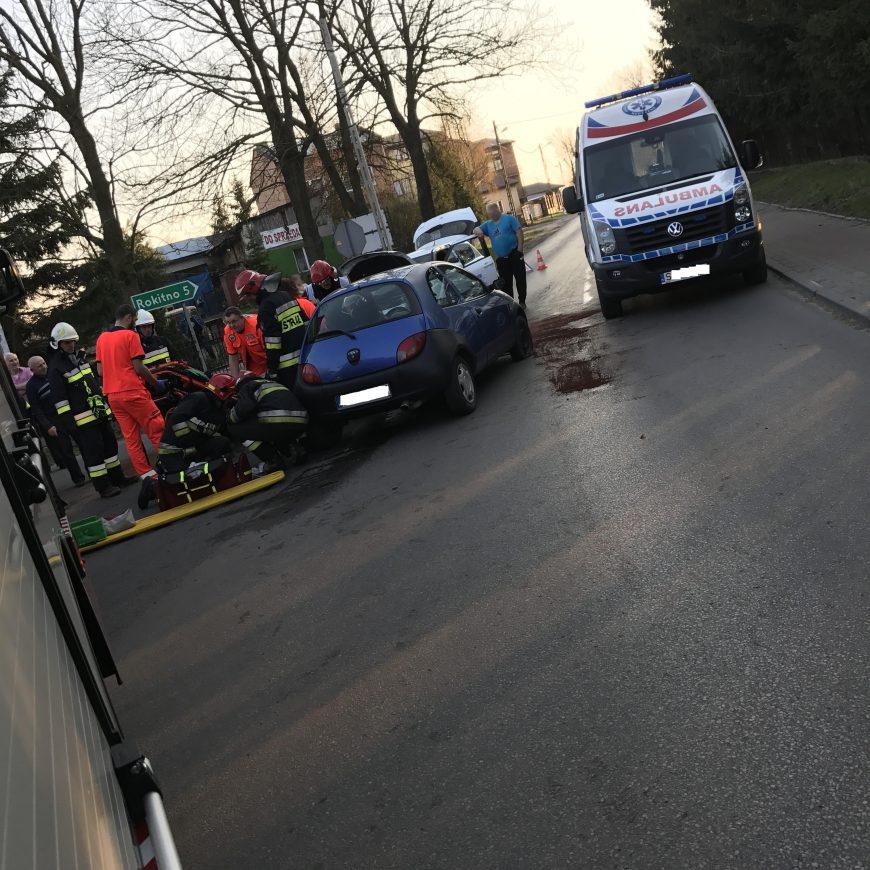 Wypadek na skrzyżowaniu ulic Krakowskiej i Żarnowieckiej oraz pożar suchych traw w Szczkocinach.